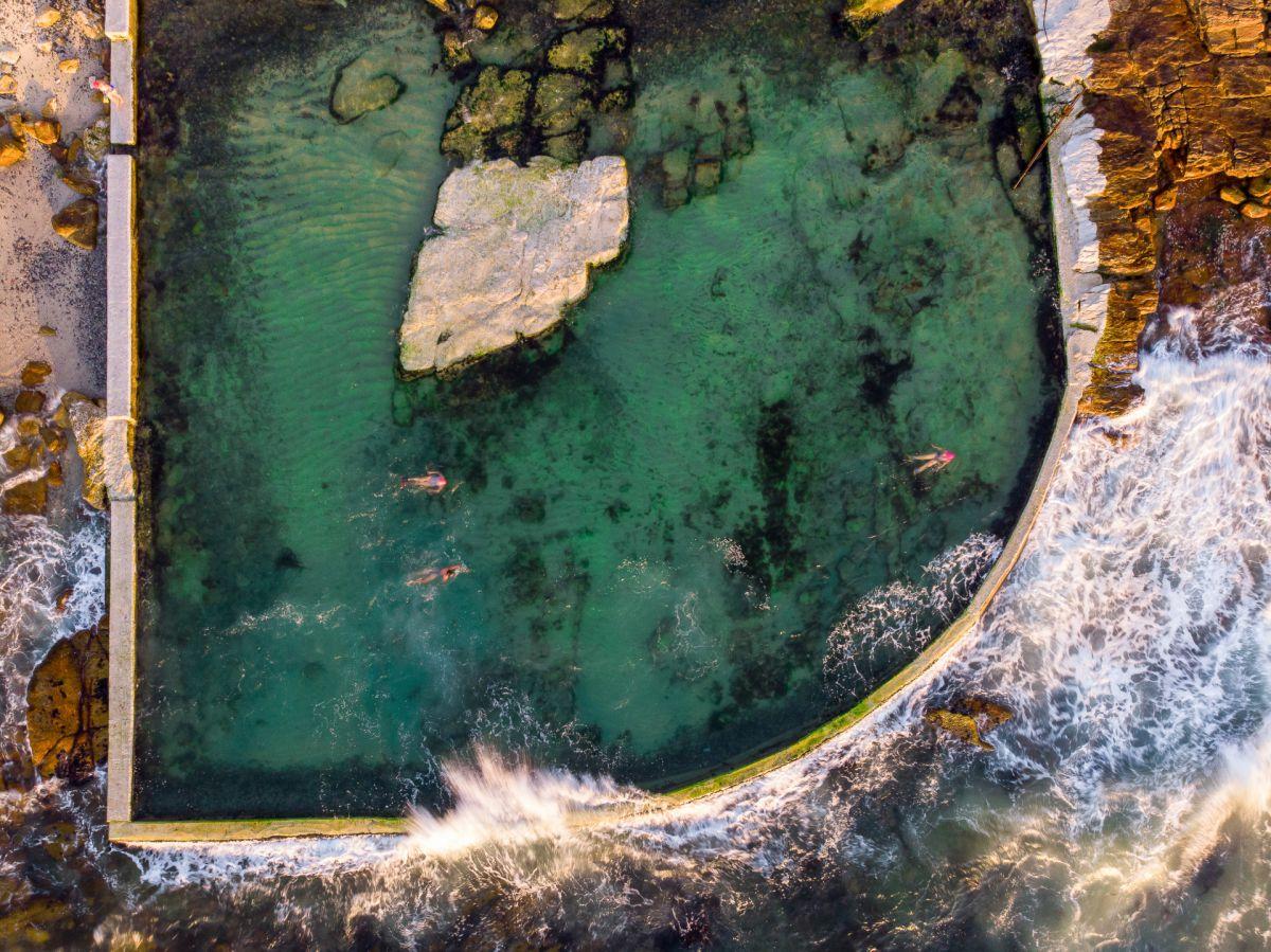 From above: Where land meets sea (Nơi đất liền gặp biển) - tác giả: jaycaboz