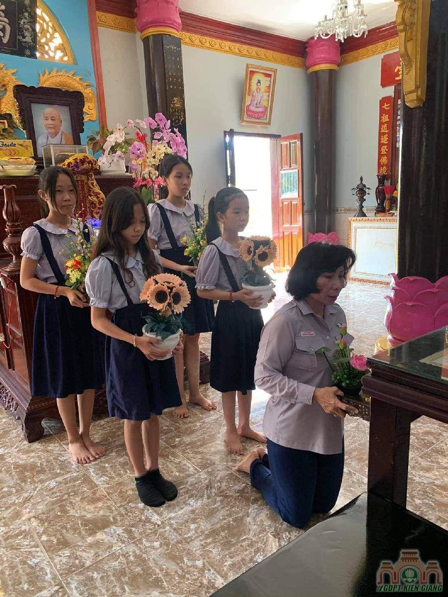 Le Cat Day Len Doan Va Le Phat Nguyen Ket Nap Doan Sinh Gdpt Tam Bao Ha Tien Dau Nam 2021 02