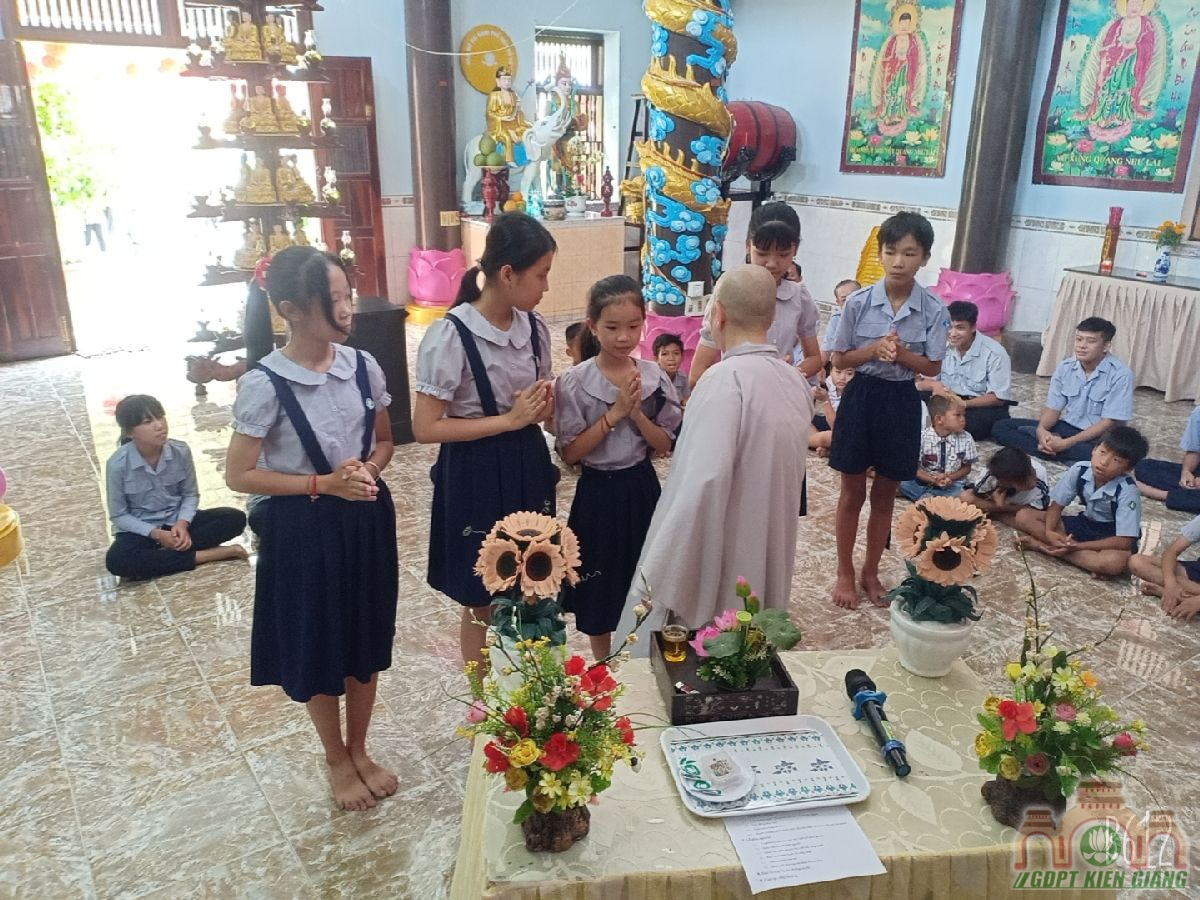 Le Cat Day Len Doan Va Le Phat Nguyen Ket Nap Doan Sinh Gdpt Tam Bao Ha Tien Dau Nam 2021 05