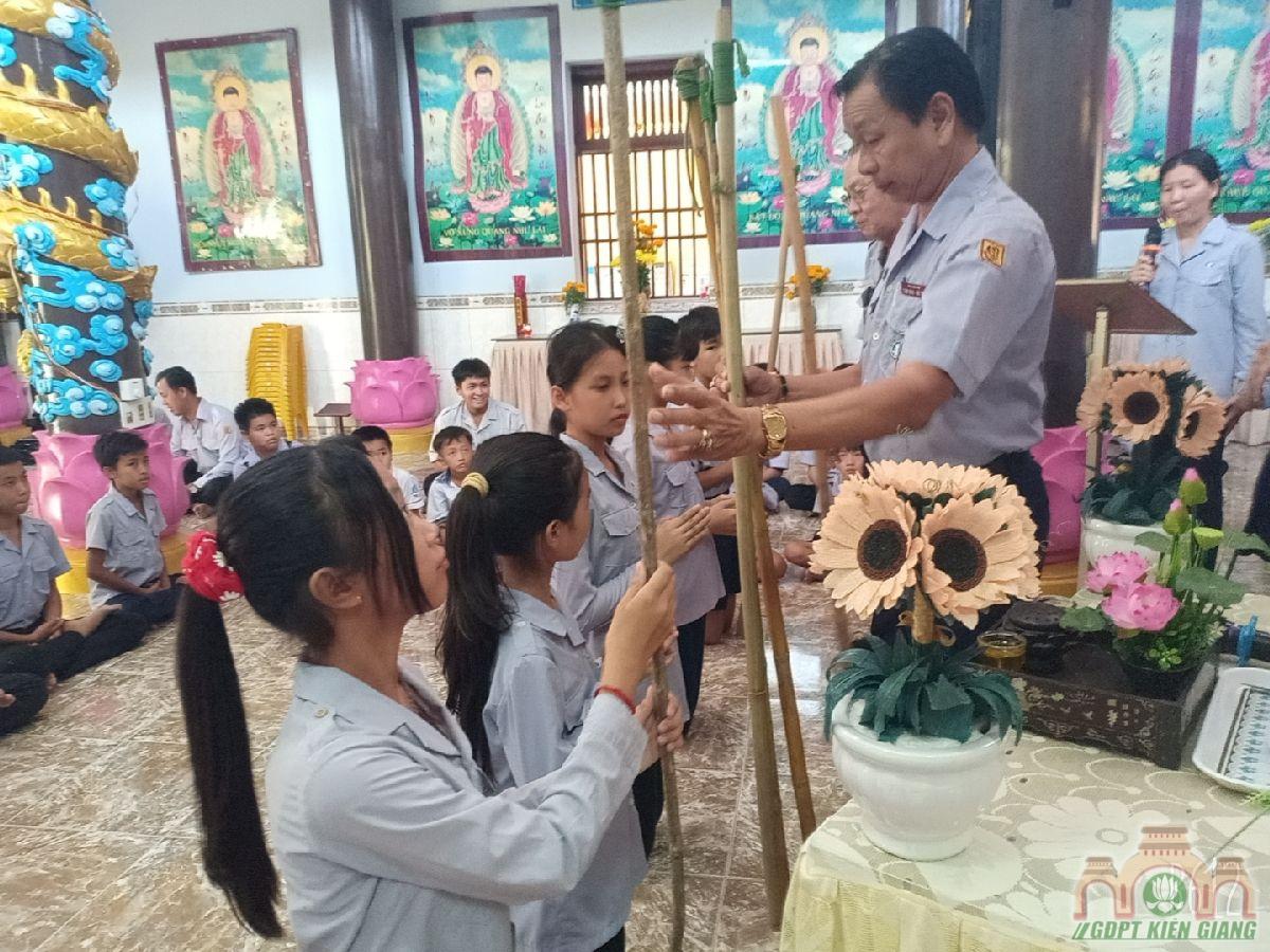Le Cat Day Len Doan Va Le Phat Nguyen Ket Nap Doan Sinh Gdpt Tam Bao Ha Tien Dau Nam 2021 07