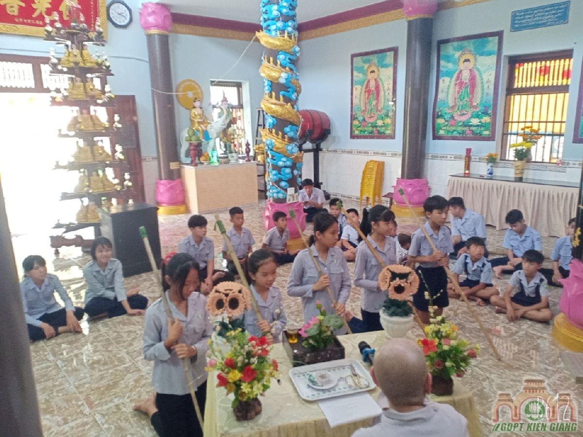 Le Cat Day Len Doan Va Le Phat Nguyen Ket Nap Doan Sinh Gdpt Tam Bao Ha Tien Dau Nam 2021 08