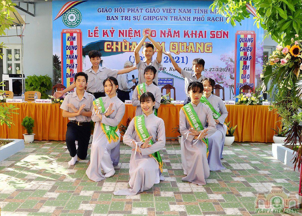 Gdpt Tam Bao Tp Rach Gia Dang Hoa Cung Duong Nhan Ky Niem 50 Nam Khai Son Chua Kim Quang 05